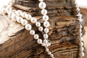 Schmuckaufbewahrung einer Perlenkette